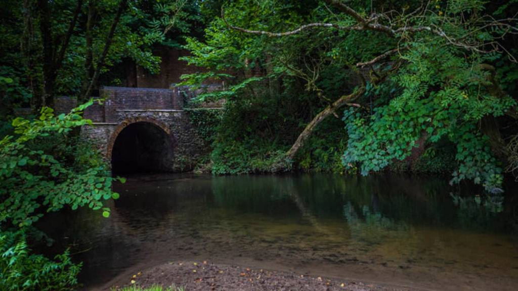 bridge over water in frome